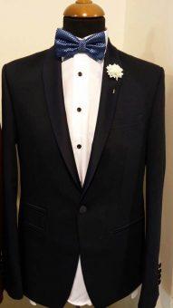 חליפה אלגנטית שחורה