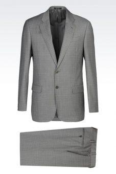 חליפה אפורה מעוצבת של חליפת חתן מעוצבת שחורה של Giorgio Armani מבט מלפנים מבט מלפנים