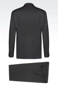 חליפה מעוצבת שחורה של Giorgio Armani מבט מאחור