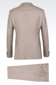 חליפה מעוצבת בהירה Giorgio Armani מבט מאחור