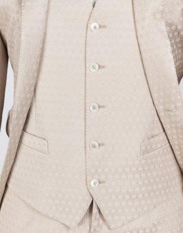 חליפת Dolce Gabbana צבע ורוד בהיר מבט על הכפתורים